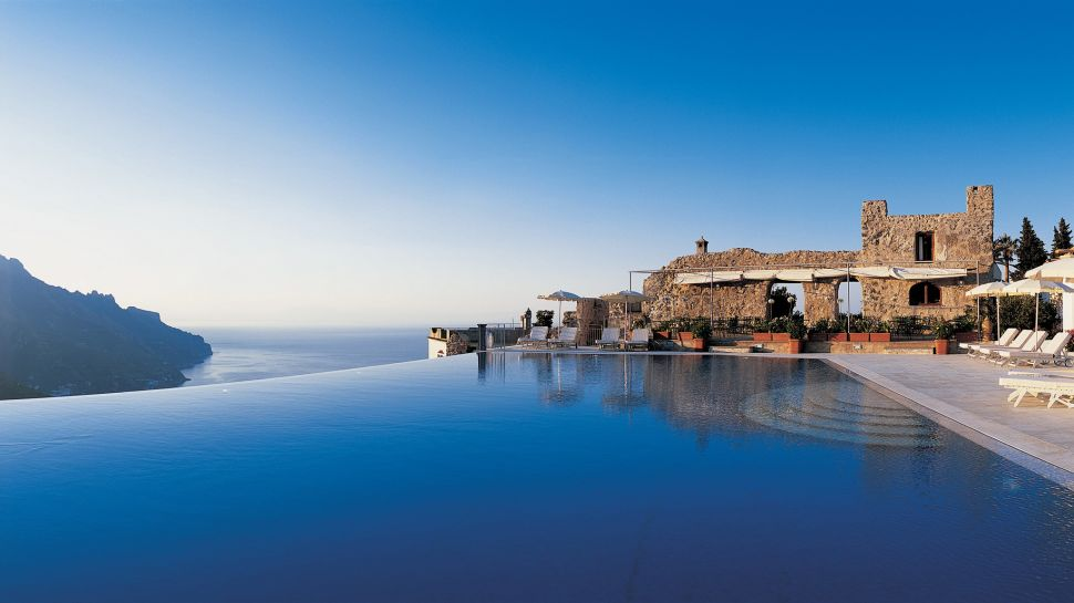 Top 10 incredible hotel pools terrific top 10 for Hotels in ravello with swimming pool