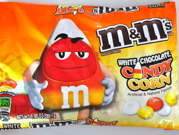 20121024-candycornm&ms-bag.JPG