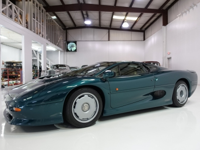 Jaguar-XJ220-1.jpg
